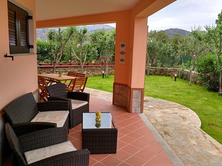 Comfortable House with Satellite Or Cable TV and Parking - San Teodoro vacation rentals