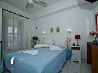 Apartment *near beach*wifi * a/c*parking - Neo Klima vacation rentals
