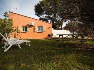 Gîte meublé climatisé L' Olivier au coeur de la  Provence à Miramas 13140 - Miramas vacation rentals