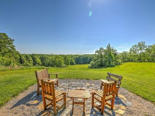 NEW! 1BR 'Cave Hill Dodge Cabin' Winchester Cabin - Winchester vacation rentals