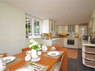 3 bedroom House with Internet Access in Bottlesford - Bottlesford vacation rentals