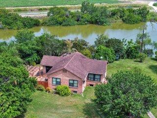New! 2BR San Benito House - Short Drive to Gulf! - San Benito vacation rentals