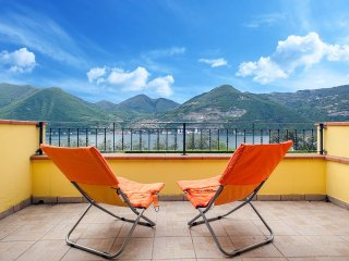 Splendid apt with swimming pool and lake view! - Monte Isola vacation rentals