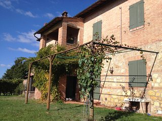 Bright 6 bedroom Staggia Villa with A/C - Staggia vacation rentals