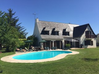 Chez Anne & Simon, perfect for large family, group of friends and golf amateurs! - Missillac vacation rentals