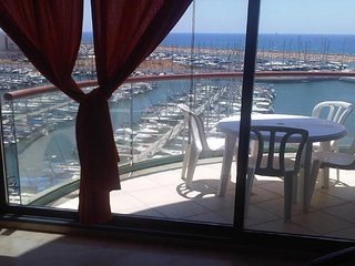 Marina towers Sea view and a pool 85M - Herzlia vacation rentals
