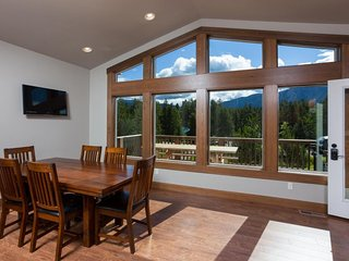 Newly completed cabin just minutes to Glacier National Park. Beautiful views! - West Glacier vacation rentals