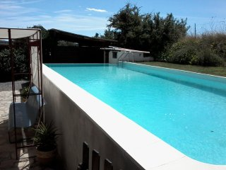 Spacious house with swiming-pool - Cannes-et-Clairan vacation rentals