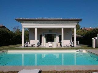 7 bedroom Villa with Internet Access in Marina Di Pietrasanta - Marina Di Pietrasanta vacation rentals