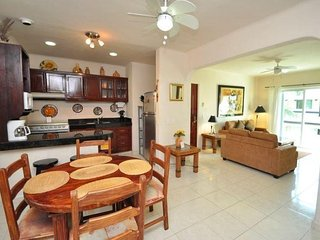 Summer Special > A Penthouse Close to 5th Av and Beach - Playa del Carmen vacation rentals