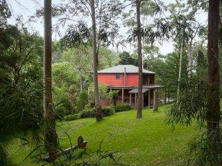 Gully Falls House - Rainforest Retreat House - Barrinton Tops Accomodation - Bandon Grove vacation rentals