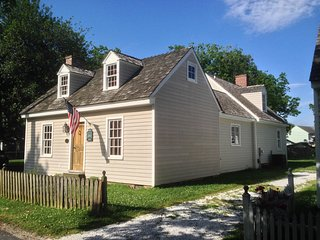 Location Location! St Michaels-- In Town Cottage! - Saint Michaels vacation rentals