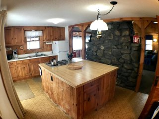 Ossipee Lake home with sunsets and great location! - Ossipee vacation rentals