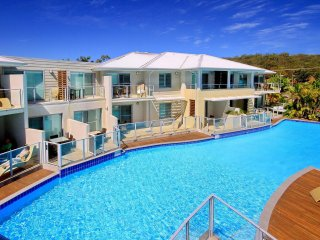 Pacific Blue Apartment 258, 265 Sandy Point Road - FREE WI-FI - Salamander Bay vacation rentals