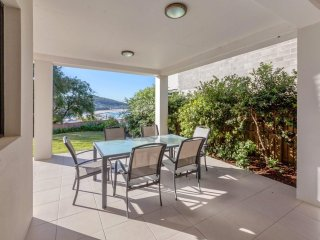 Beach House, Pacific Road, 1/20 - FREE WIFI - Fingal Bay vacation rentals