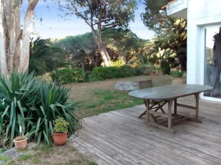Beachside house with garden - Girona vacation rentals