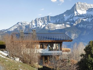 Large chalet w/ furnished balcony - Cordon vacation rentals