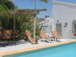 Nice Cottage with Internet Access and A/C - Oria vacation rentals
