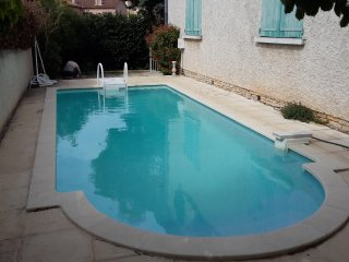 Apartment with 2 rooms in La Garde, with pool access, enclosed garden and WiFi - La Garde (Var) vacation rentals