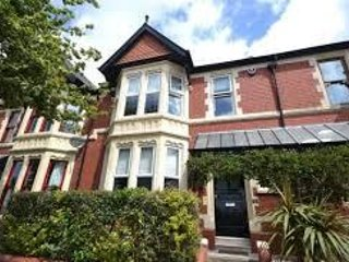 Stylish 3B house in upmarket area close to great parks, cafes & shops - Cardiff vacation rentals
