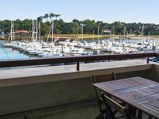 Studio w/ pool overlooking marina - Capbreton vacation rentals