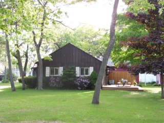 Cozy 2 bedroom House in Au Gres with Deck - Au Gres vacation rentals