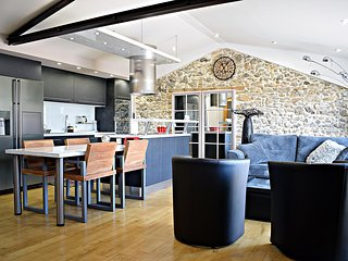 Modern house in Pyrenees w/ sauna - Castillon-en-Couserans vacation rentals