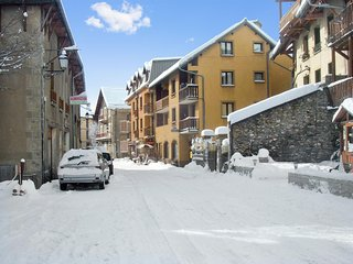 Cozy studio 5km from 7 ski areas - Aiguilles vacation rentals