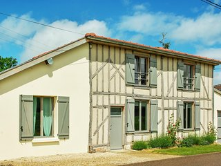 Spacious house w/terrace and garden - Giffaumont-Champaubert vacation rentals