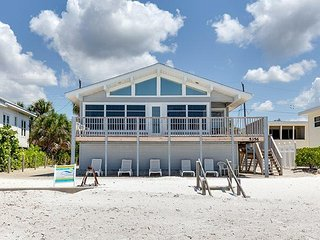 Delightful Open Concept Beachfront Getaway with wall to wall views! - Seabreeze - Fort Myers Beach vacation rentals