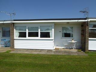 Coastal Comfort Chalet 155 California Near Great Yarmouth Norfolk - Caister-on-Sea vacation rentals