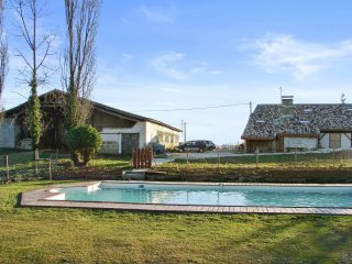 3 bedroom house in lot et garonne, aquitaine, with garden and shared pool - Agnac vacation rentals