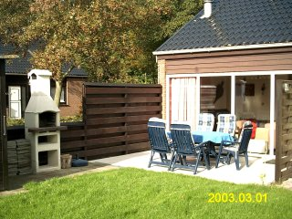Charming house by lake grevelingen with sunny terrace and shared garden - Bruinisse vacation rentals