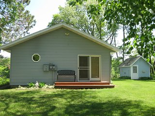 Perfect 4 bedroom Randall Cottage with Boat Available - Randall vacation rentals