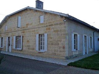 Nice house with garden & terrace - Castillon-la-Bataille vacation rentals