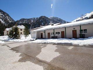 Wiegenwald Lodge at the Weißsee glacier sleeps 6 - Uttendorf vacation rentals