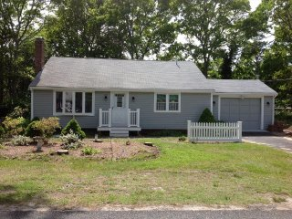 DOG FRIENDLY Mid-Cape FOUR Bedroom GEM! 134341 - West Yarmouth vacation rentals