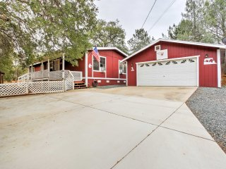 NEW!  'Serenity Ranch' 3BR Coulterville Cottage! - Coulterville vacation rentals