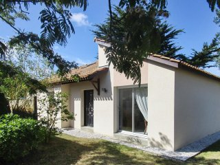 Adorable house near Pornic, 150m from beach, with private garden and terrace - La Plaine-sur-Mer vacation rentals