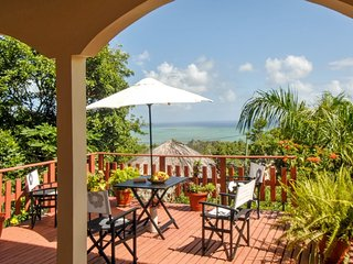 Charming villa on the Island of Rodrigues, with garden and ocean views - La Ferme vacation rentals