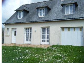 Spacious house with garden & Wifi - Locmariaquer vacation rentals