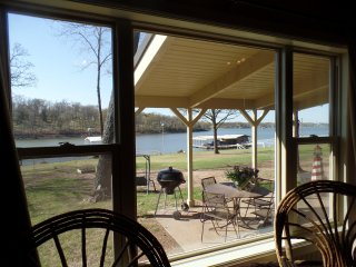 "Perfect Lakeside Cabin for Anglers or Families. The ""Bunk House"" - Grove vacation rentals"