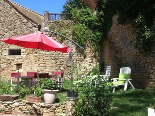 House with 2 rooms in Limeuil, with wonderful city view and enclosed garden - Limeuil vacation rentals