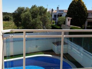Apt w/ pool, balcony- beach at 200m - Sant Salvador vacation rentals