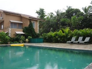 Spacious 3BR villa in lush gated community with pool walking distance to beach - Varca vacation rentals