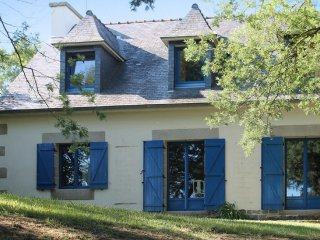 Traditional house w/ garden & games - Plougrescant vacation rentals