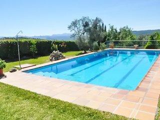 Adorable apartment w/ pool & garden - Arriate vacation rentals