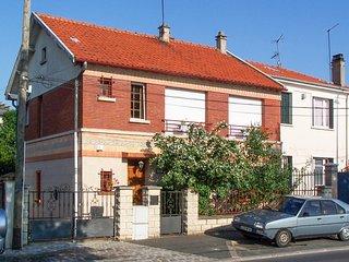 Conveniently located Parisian flat - Alfortville vacation rentals