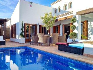Golf resort villa w/pool & Jacuzzi - Murcia vacation rentals