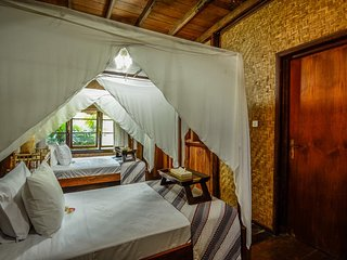Aashaya Jasri Resort ,Villa Kayu B, Twin  Room with Garden View - Candidasa vacation rentals